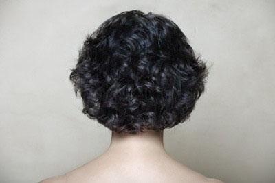 кудрявые короткие волосы